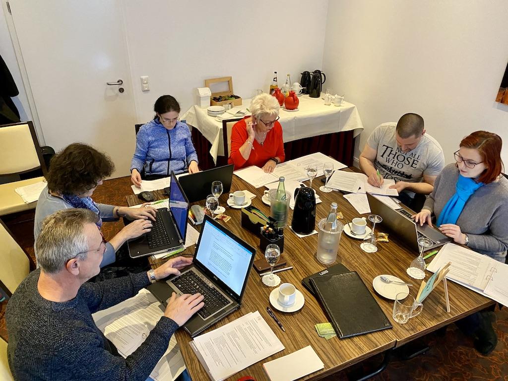 Trauerredner ausgebildet - Seminarraum mit Teilnehmern