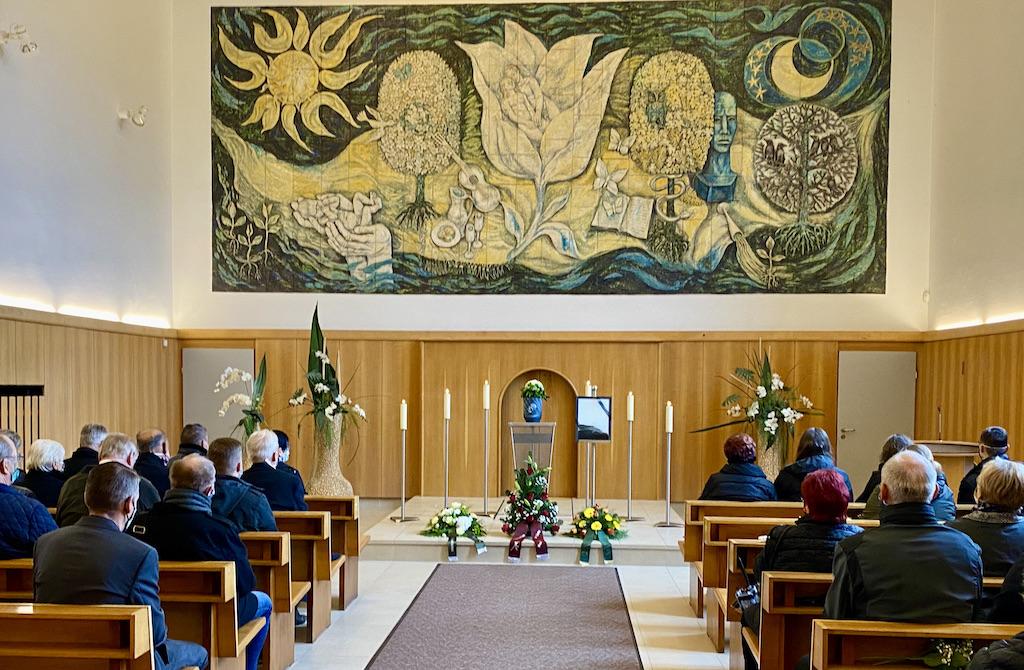 Maximal 25 Teilnehmer Bei Trauerfeier Im Landkreis Zwickau, CR Trauerredner