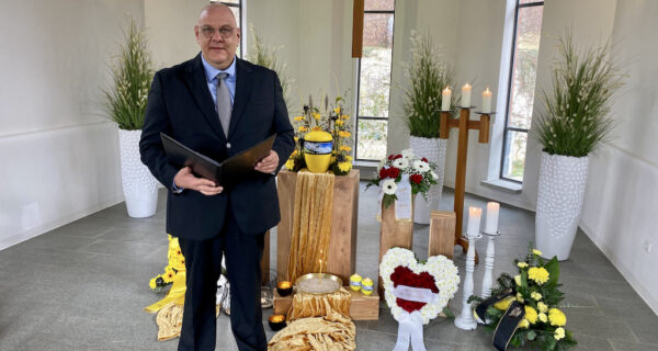 Trauerredner Carsten Riedel, Friedhof Planitz, Redner Und Kein Ritualdesigner